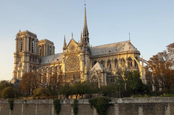 ⑤ノートルダム大聖堂(フランス)